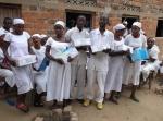 Een school voor verpleegkundigen ontvangt de boeken van het Centrum voor Gezondheidsbevordering